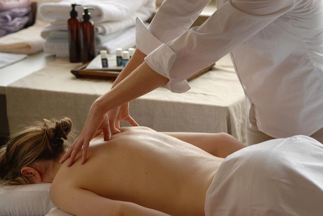 Aromaöl Massage für 144€ anstatt 180€ in der Fastenzeit