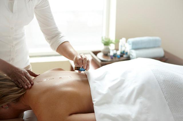 Raindrop Technique Massage